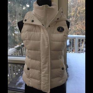 Hooded dawn vest